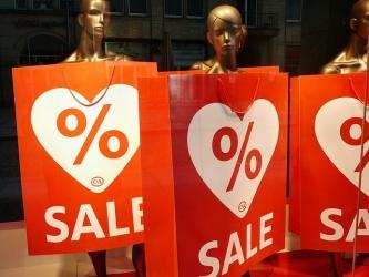Slevy a výprodeje jsou velmi populární 16986c94638